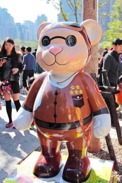 跟著 Mikey 一家去旅行 - 【 台中 】2013 泰迪熊台中樂活嘉年華
