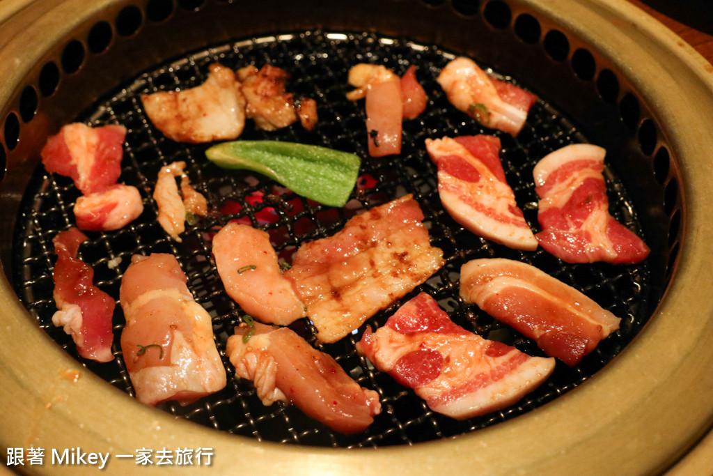 跟著 Mikey 一家去旅行 - 【 大阪 】いろりや燒肉 ( 道頓堀店 )
