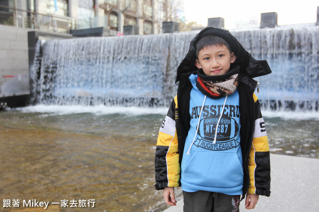 跟著 Mikey 一家去旅行 - 【 首爾 】清溪川廣場 + 青瓦台