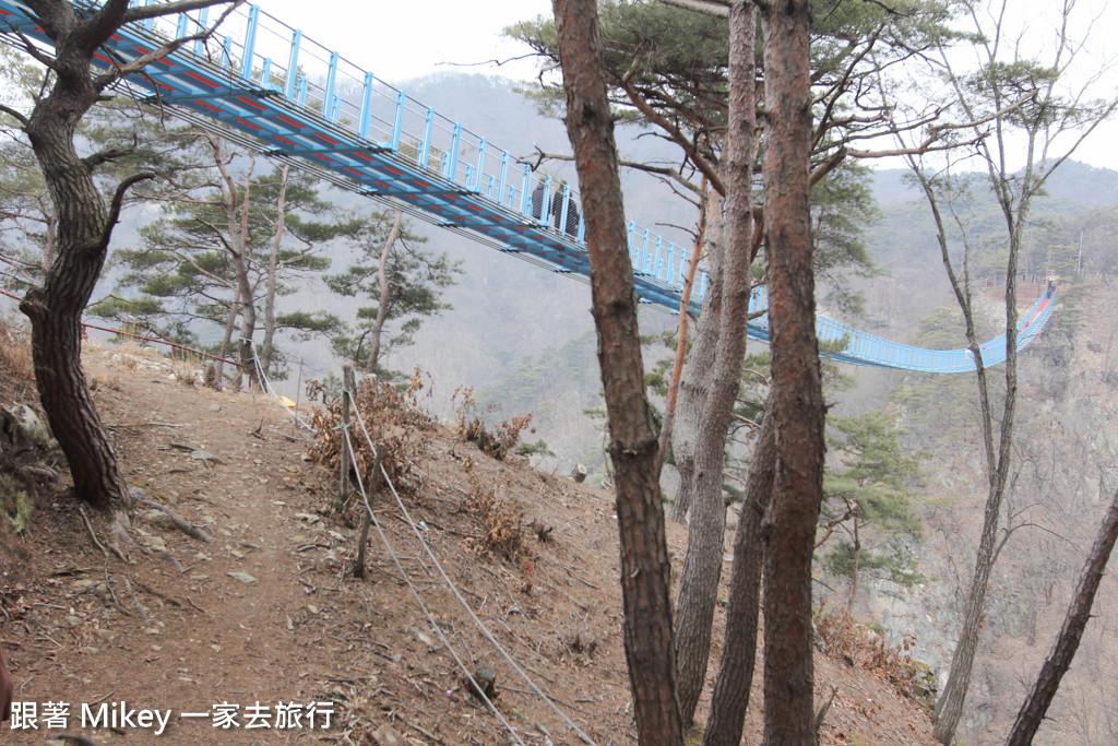 跟著 Mikey 一家去旅行 - 【 原州 】原州⼩⾦⼭吊橋