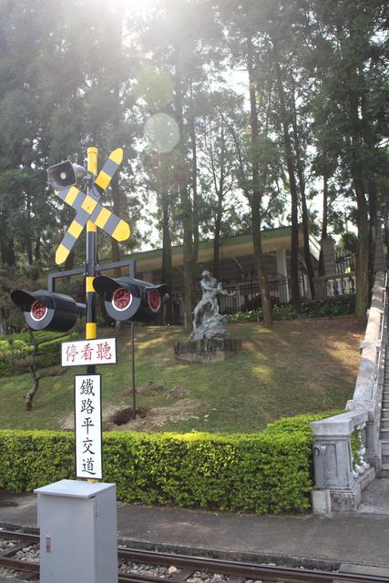 跟著 Mikey 一家去旅行 - 【 魚池 】九族文化村 - 2013 紫戀薰衣草
