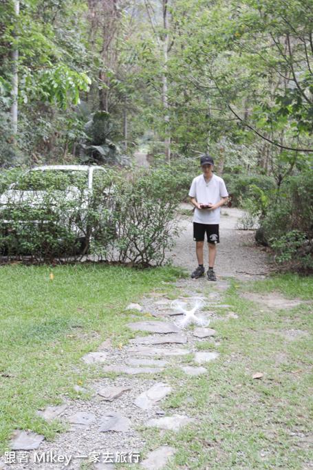 跟著 Mikey 一家去旅行 - 【 信義 】山裡面的嵐卡 - Part I