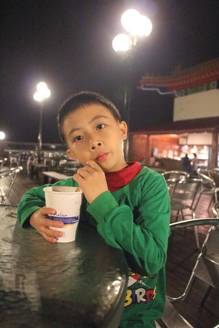 跟著 Mikey 一家去旅行 - 【 魚池 】景聖樓湖畔飯店
