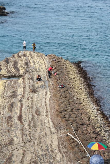 跟著 Mikey 一家去旅行 - 【 基隆 】西濱公路觀海休憩步道
