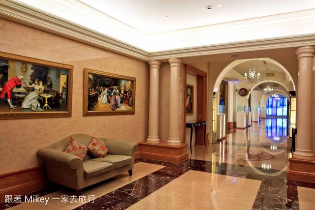 跟著 Mikey 一家去旅行 - 【 高雄 】義大皇冠假日飯店
