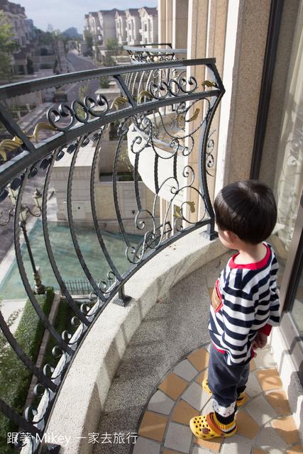 跟著 Mikey 一家去旅行 - 【 高雄 】義大皇冠假日飯店 - 房間篇