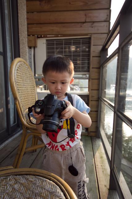 跟著 Mikey 一家去旅行 - 【 魚池 】日月潭 - 山中湖民宿