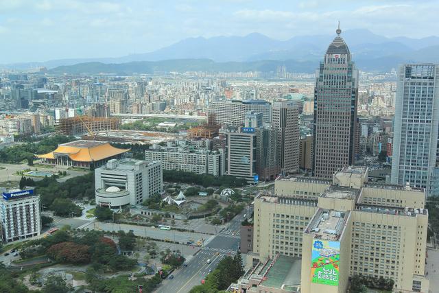 跟著 Mikey 一家去旅行 - 【 台北 】Taipei 101 - 35F