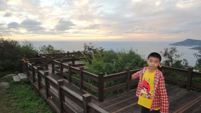 跟著 Mikey 一家去旅行 - 【 墾丁 】關山 & 後壁湖 & 小杜包子