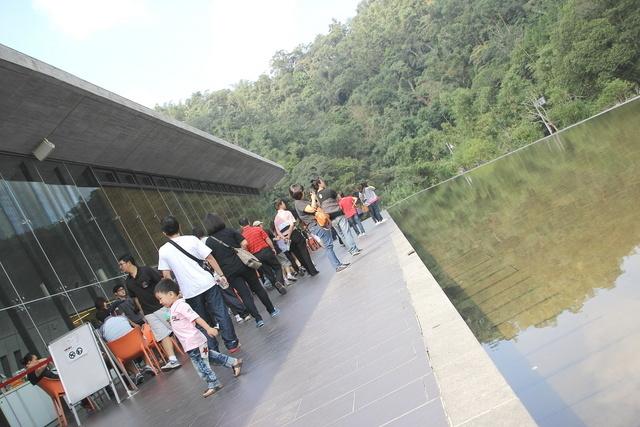 跟著 Mikey 一家去旅行 - 【 魚池 】向山遊客中心