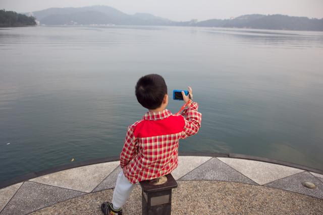 跟著 Mikey 一家去旅行 - 【 魚池 】日月潭 - 清晨