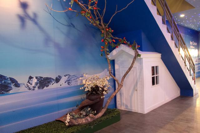 跟著 Mikey 一家去旅行 - 【 楊梅 】白木屋品牌文化館