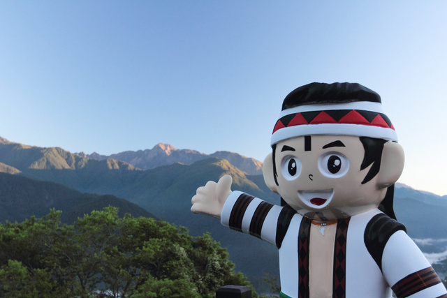跟著 Mikey 一家去旅行 - 【 和平 】梨山賓館