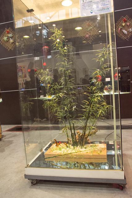 跟著 Mikey 一家去旅行 - 【 鹿港 】台灣玻璃館