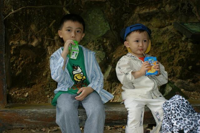跟著 Mikey 一家去旅行 - 【 三峽 】滿月圓森林遊樂區