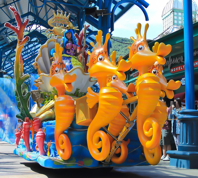 跟著 Mikey 一家去旅行 - 【 壽豐 】花蓮遠雄海洋公園 - 遊行篇