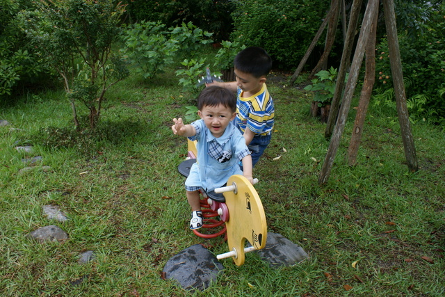 跟著 Mikey 一家去旅行 - 【 冬山 】童話村有機農場