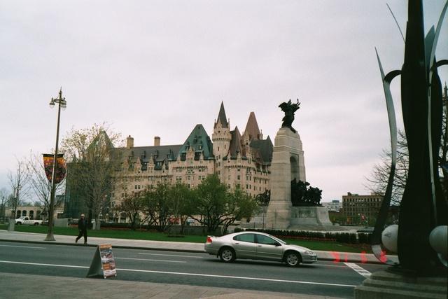 跟著 Mikey 一家去旅行 - 【 加拿大 】渥太華