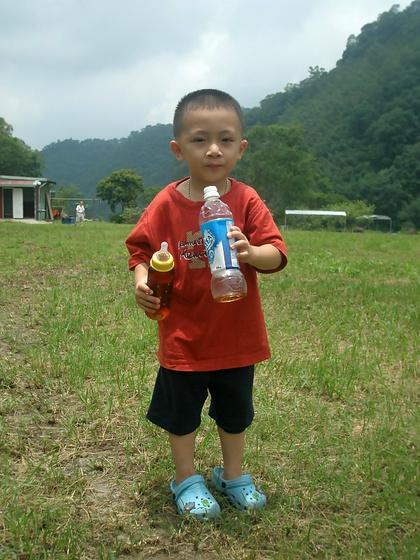 跟著 Mikey 一家去旅行 - 【 尖石 】葫蘆灣渡假村