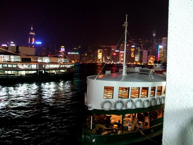 跟著 Mikey 一家去旅行 - 【 香港 】維多利亞港