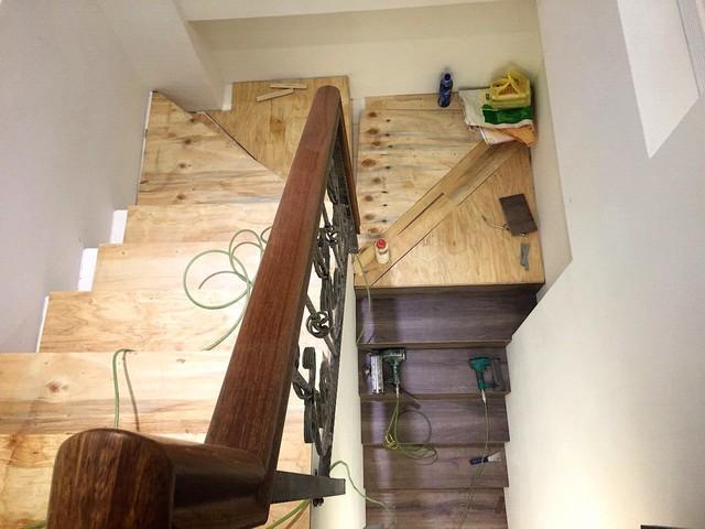 跟著 Mikey 一家去旅行 - 【 新家裝潢 】樓梯篇